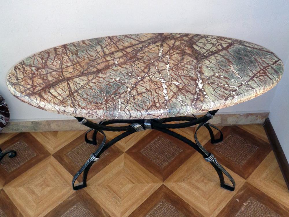 Кованый столик со столешницей из натурального мрамора Bidasar Green