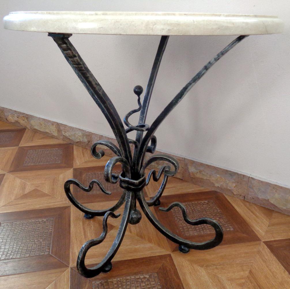 Кованый столик со столешницей из натурального мрамора
