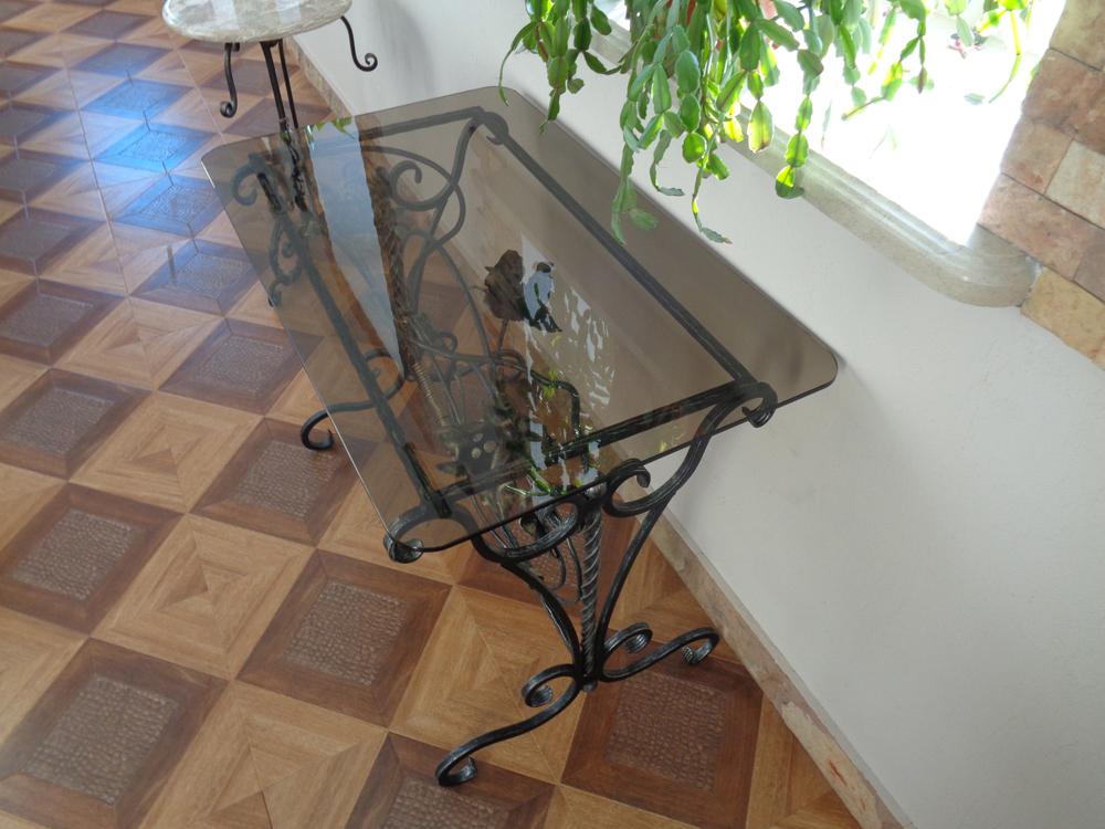 Кованый журнальный стол
