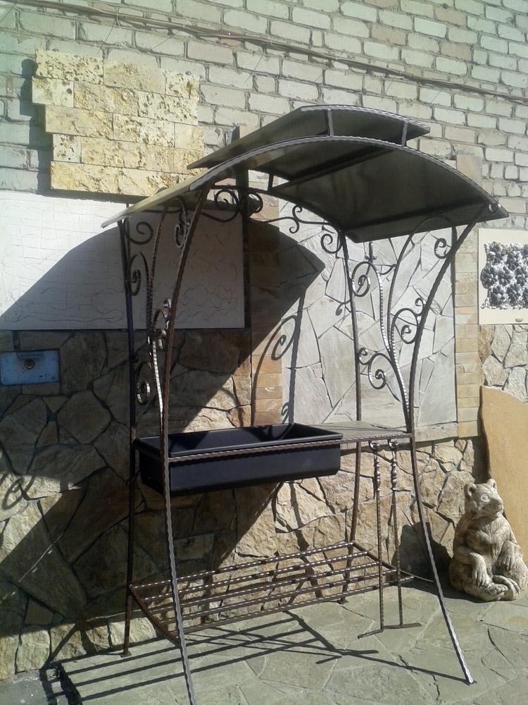 Кованый мангал с крышей