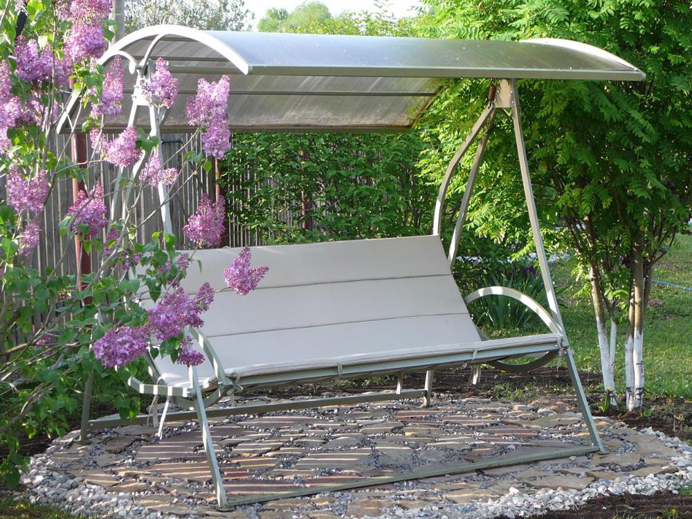 Кованые качели для сада